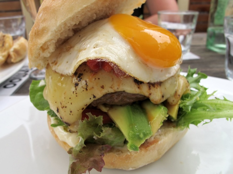 Moo Burgers BnW