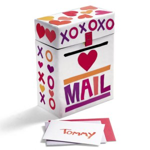 valentine-mailbox-craft-photo-420-FF0200VALA11
