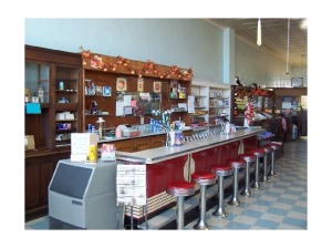 3178354-Soda_Fountain_at_Hunter_Drug_Store_Greensburg