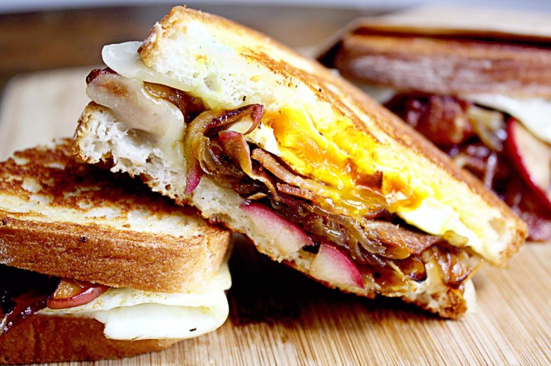 egg_bacon_apple_grilled_cheese_main