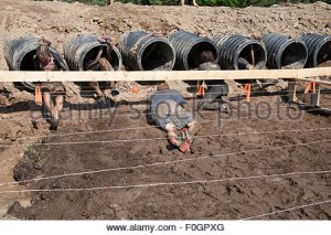 toronto-canada-15th-aug-2015-tough-mudder-obstacle-course-aug-15-2015-f0gpxg